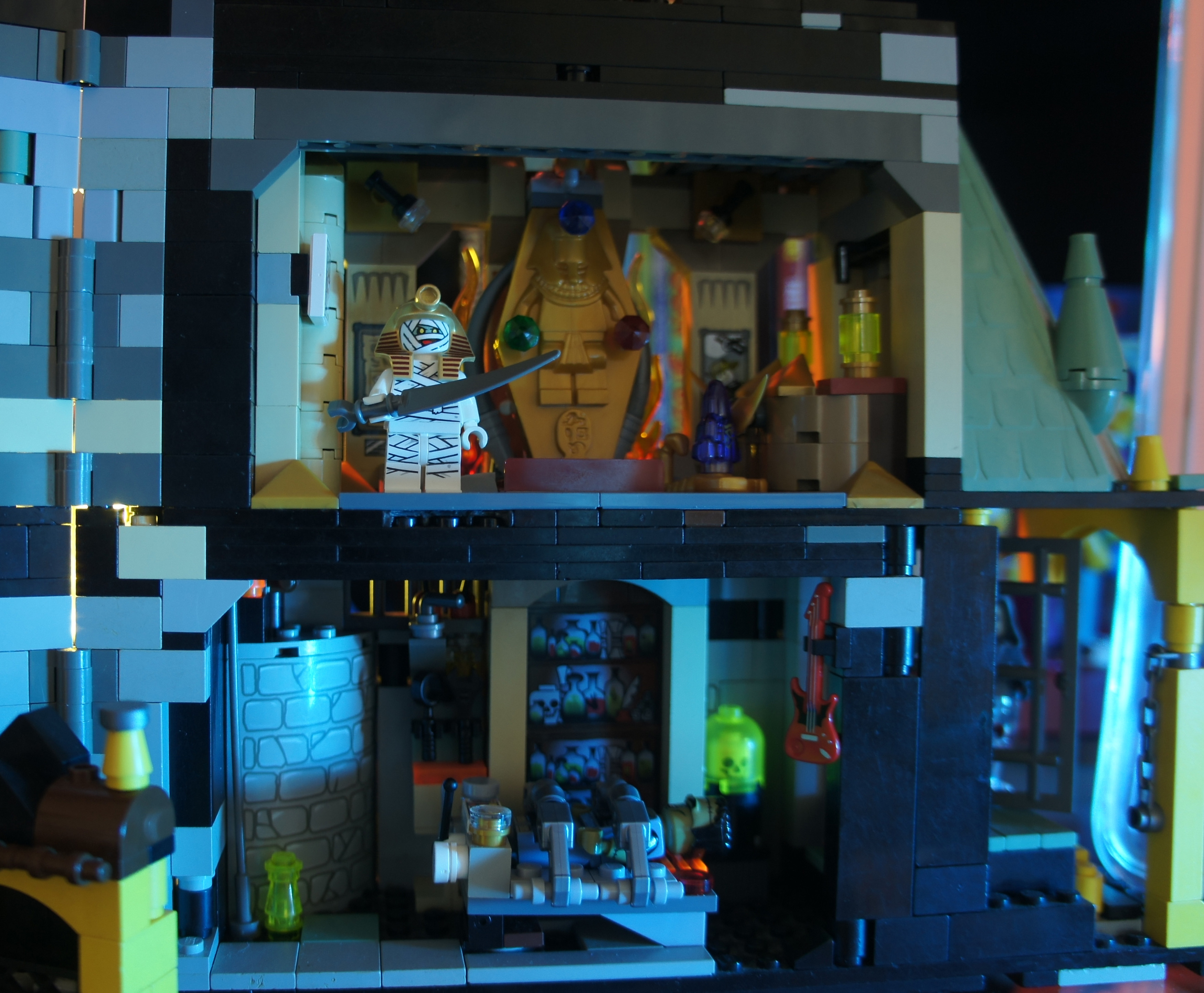 Custom Lego Haunted House (MOC) - Leftover Culture Review